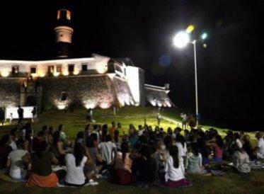 Meditação da Lua Cheia no Farol da Barra, em Salvador