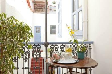O Oliá Spa Hostel fica na Rua Francisco Muratori, 36, em Santa Teresa